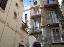 Bari - Strada Santa Lucia