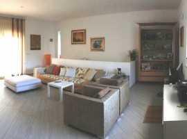 Nuova villa su 2 superfici ben rifinita