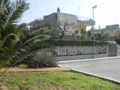 Bari - Via Fanelli ville in costruzione