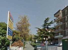 C.so De Gasperi/Via Vassallo libero signorile soggiorno 3 camere cucina servizi Termoascensore Posto auto