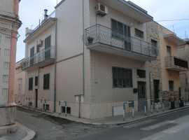 appartamento piano rialzato 76 mq