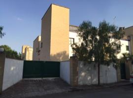 BARIALTO - villa 5 vani giardino posto auto anche uso ufficio