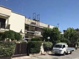 Capurso - libera villa su 3 livelli, giardino, posti auto